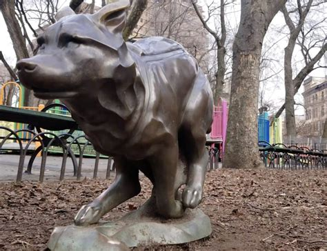 Dog Lovers Must See These 8 Dog Tributes in NYC