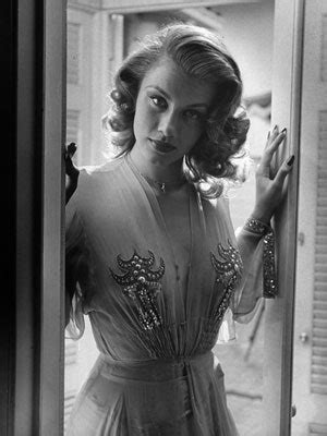 Linda Christian, The First 'Bond Girl,' Dies at 87 | Allure
