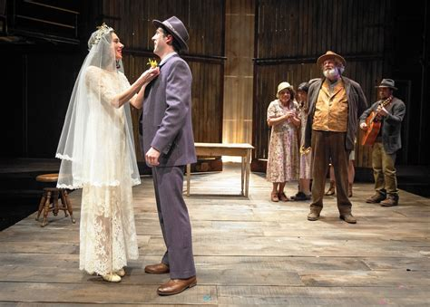 Lookingglass' 'Blood Wedding' can't get by on good looks