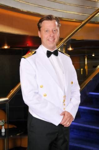 Holland America Line appoints ms Koningsdam captain | News