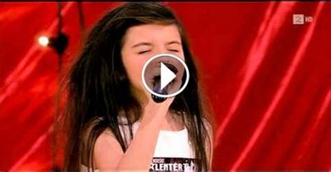 Amazing seven year old sings Gloomy Sunday/Billy Holiday