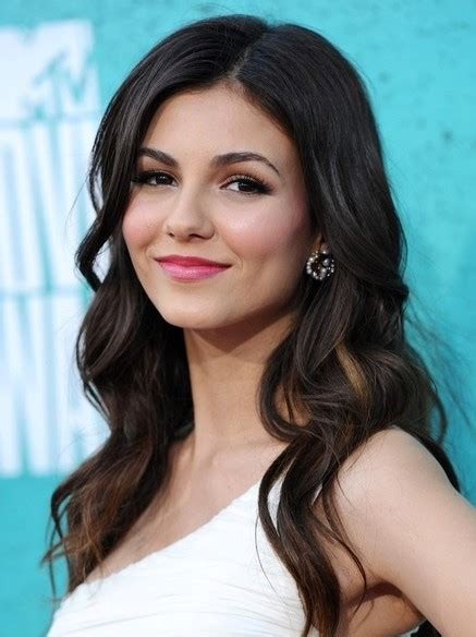 Long Thick Wavy Hairstyles, Victoria Justice Hair Cut